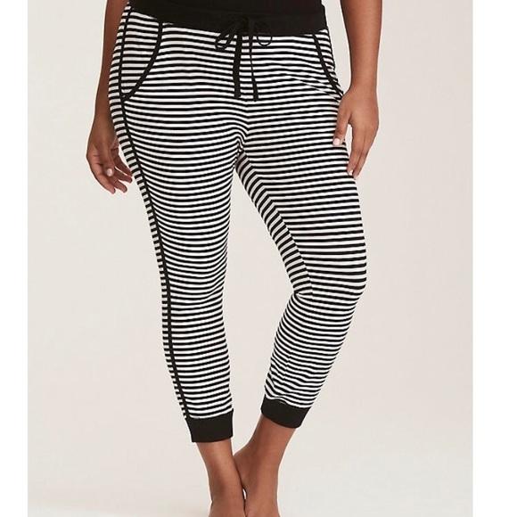 35c665e9103ec NWOT Torrid sleep pants size 2